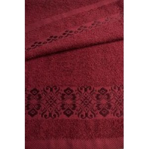 Бордовое полотенце
