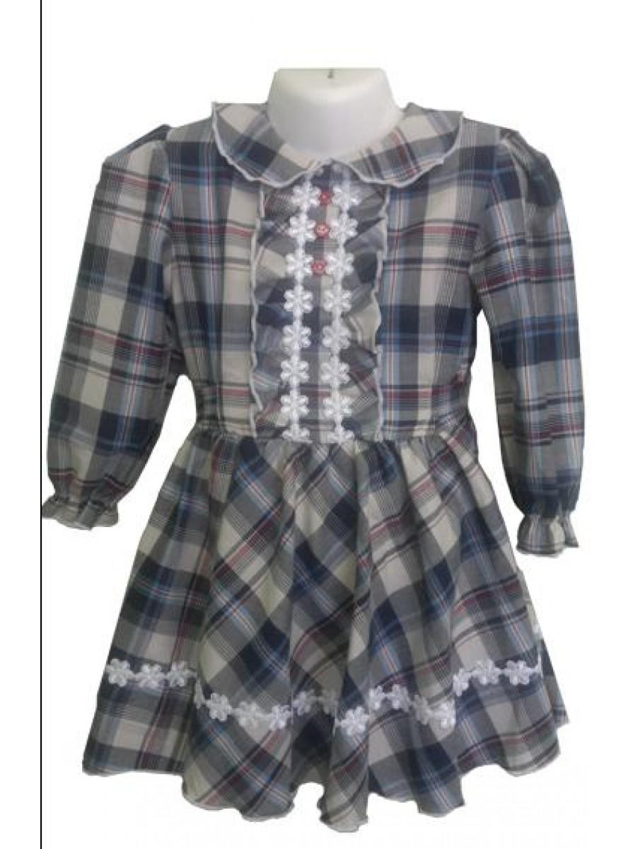 Детское платье в клетку из ткани Шотландка